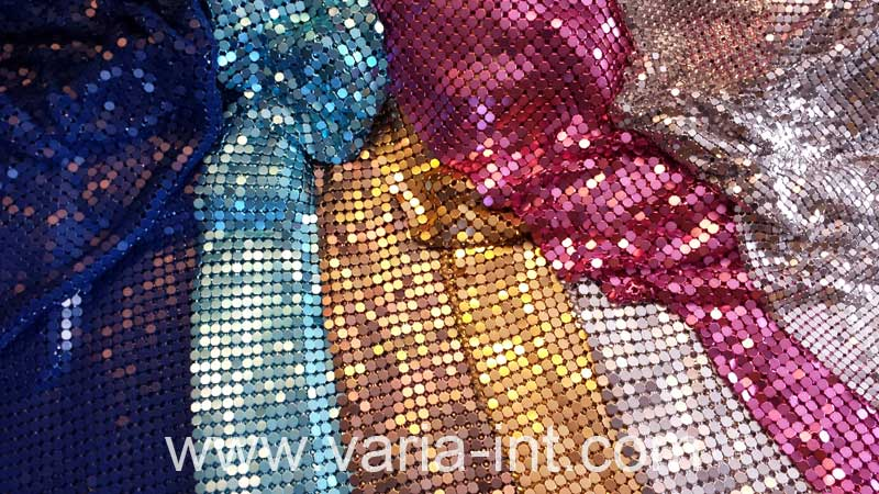 Metal mesh fabrics for contemporary room dividers and curtains - Fabric that looks like metal ...